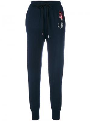 Спортивные брюки с вышивкой розы из пайеток Markus Lupfer. Цвет: синий