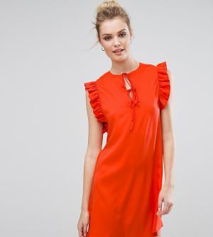 Fashion Union Tall Платье с оборкой и завязками. Цвет: красный