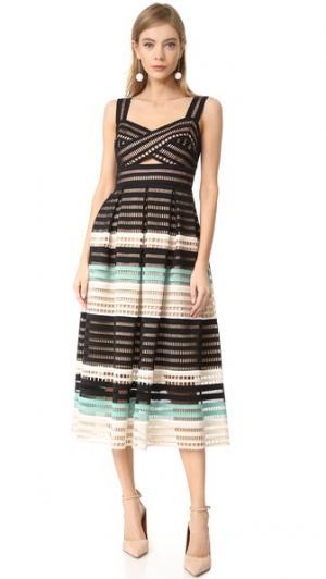 Платье со складками и облегающим лифом Lela Rose. Цвет: мятный мульти