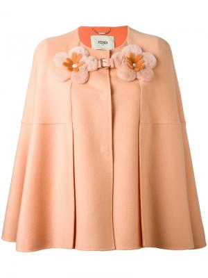 Пальто-кейп с декоративными цветами Fendi. Цвет: розовый и фиолетовый