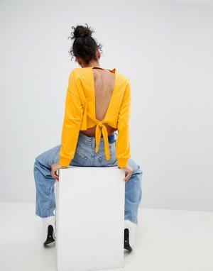 ASOS Свитшот с открытой спиной. Цвет: желтый