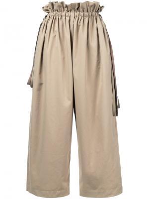 Укороченные брюки свободного кроя Astraet. Цвет: коричневый