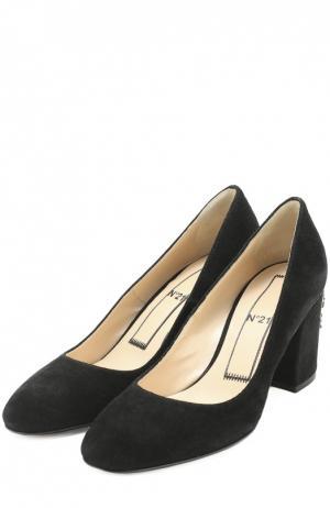 Замшевые туфли на каблуке с декором No. 21. Цвет: черный