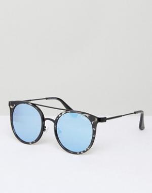 Quay Australia Солнцезащитные очки в черной черепаховой оправе с голубыми зеркальными. Цвет: черный