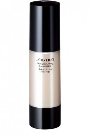Тональное средство с лифтинг-эффектом придающее коже сияние, I20 Shiseido. Цвет: бесцветный