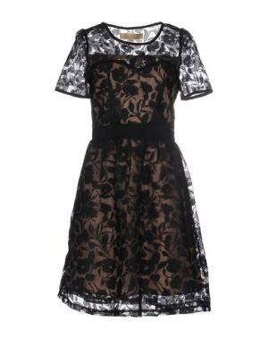 Короткое платье BONSUI. Цвет: черный