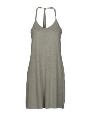 Короткое платье AGATHA CRI. Цвет: серый