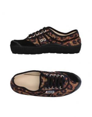 Низкие кеды и кроссовки KAWASAKI. Цвет: коричневый