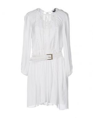 Короткое платье ELISABETTA FRANCHI. Цвет: белый