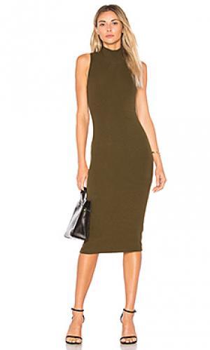 Платье в рубчик с высоким воротом GETTINGBACKTOSQUAREONE. Цвет: оливковый