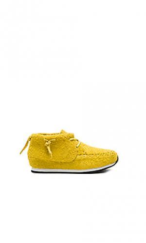 Кроссовки stone AKID. Цвет: желтый