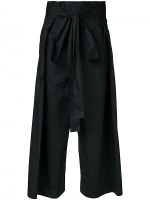 Укороченные брюки с присборенной талией Demoo Parkchoonmoo. Цвет: чёрный