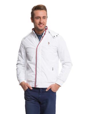 Куртки U.S. Polo Assn.. Цвет: белый