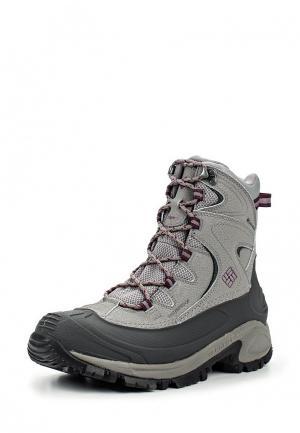 Ботинки трекинговые Columbia. Цвет: серый
