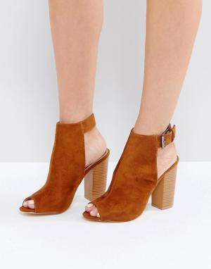 Raid Коричневые туфли на каблуке с открытым носком Rosie. Цвет: коричневый