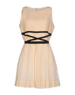 Короткое платье BAND OF OUTSIDERS. Цвет: песочный