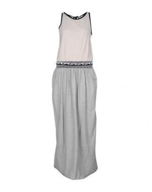 Длинное платье GOLD CASE. Цвет: серый