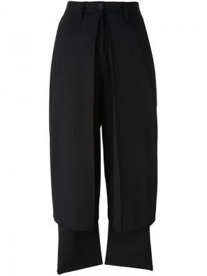 Многослойные брюки Aalto. Цвет: чёрный