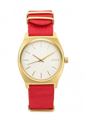 Часы Nixon. Цвет: красный