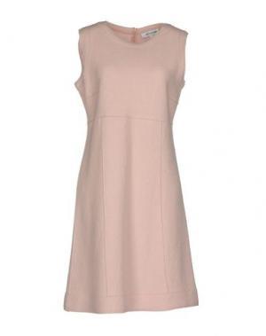 Короткое платье GOSSIP. Цвет: светло-розовый