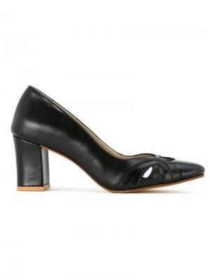 Классические туфли Serpui. Цвет: чёрный