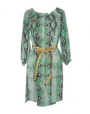 Короткое платье BEAYUKMUI. Цвет: зеленый