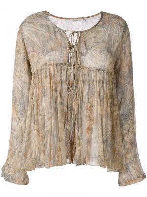 Блузка с рюшами и принтом пальм Mes Demoiselles. Цвет: телесный