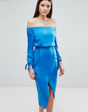 Lavish Alice Платье миди с открытыми плечами и завязками на рукавах. Цвет: синий