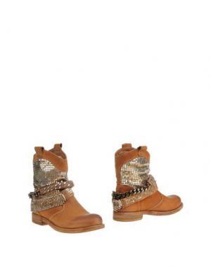Полусапоги и высокие ботинки FABBRICA MORICHETTI. Цвет: верблюжий