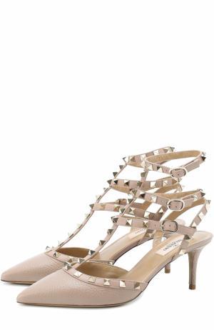 Кожаные туфли Rockstud с ремешками на шпильке Valentino. Цвет: бежевый