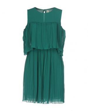 Короткое платье SOUVENIR. Цвет: изумрудно-зеленый