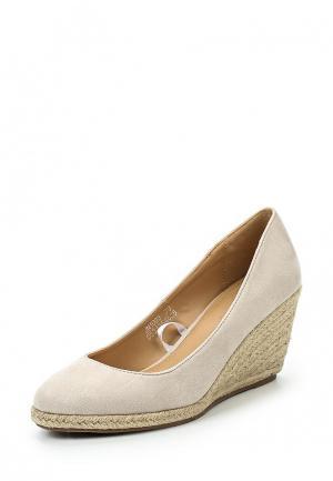 Туфли Catisa. Цвет: бежевый
