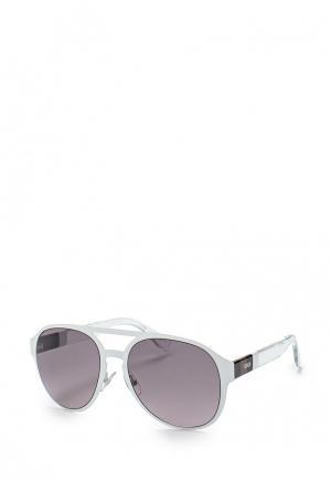 Очки солнцезащитные Fendi. Цвет: белый
