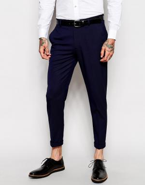 ASOS Темно-синие укороченные строгие брюки скинни. Цвет: темно-синий