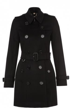 Двубортное укороченное пальто с поясом и погонами Burberry. Цвет: черный