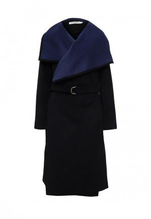 Пальто Andromede. Цвет: черный
