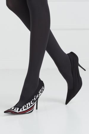 Туфли с логотипом Balenciaga. Цвет: черный