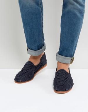 ASOS Темно-синие плетеные замшевые сандалии. Цвет: темно-синий