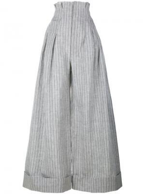 Широкие брюки в тонкую полоску Jacquemus. Цвет: серый