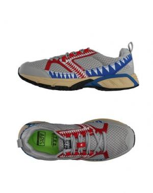 Низкие кеды и кроссовки STRD BY VOLTA FOOTWEAR. Цвет: серый