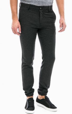 Зауженные брюки с высоким содержанием шерсти Lacoste. Цвет: серый