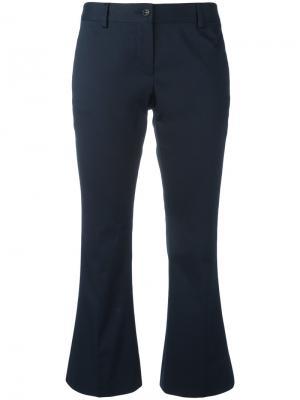 Раклешенные укороченные брюки Alberto Biani. Цвет: синий