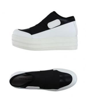Низкие кеды и кроссовки FESSURA. Цвет: белый