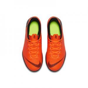 Футбольные бутсы для игры на газоне дошкольников/школьников  Jr. MercurialX Vapor XII Club Nike. Цвет: оранжевый