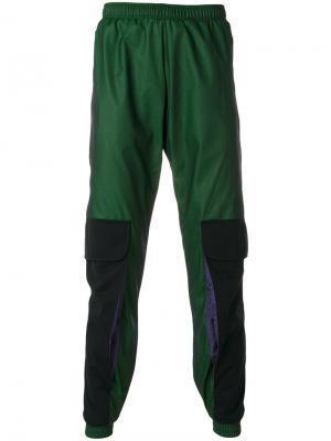 Спортивные брюки с накладным карманом Cottweiler. Цвет: зелёный