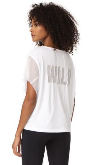 Спортивная футболка с надписью «Wild» на сетчатой подкладке Free People. Цвет: белый