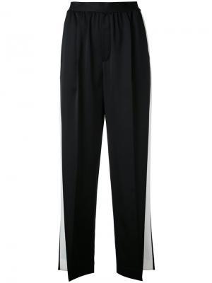 Укороченные брюки с лампасами Astraet. Цвет: чёрный