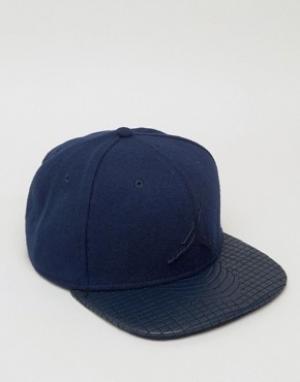 Jordan Синяя премиум-кепка Nike 4 811460-451. Цвет: синий