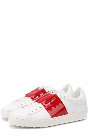 Кожаные кроссовки Open с лаковой цветной вставкой Valentino. Цвет: красный