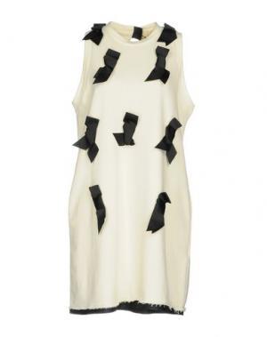 Короткое платье TILL.DA. Цвет: слоновая кость
